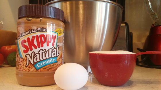 3-ingredient-peanut-butter-cookies-2