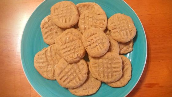 3-ingredient-peanut-butter-cookies-3